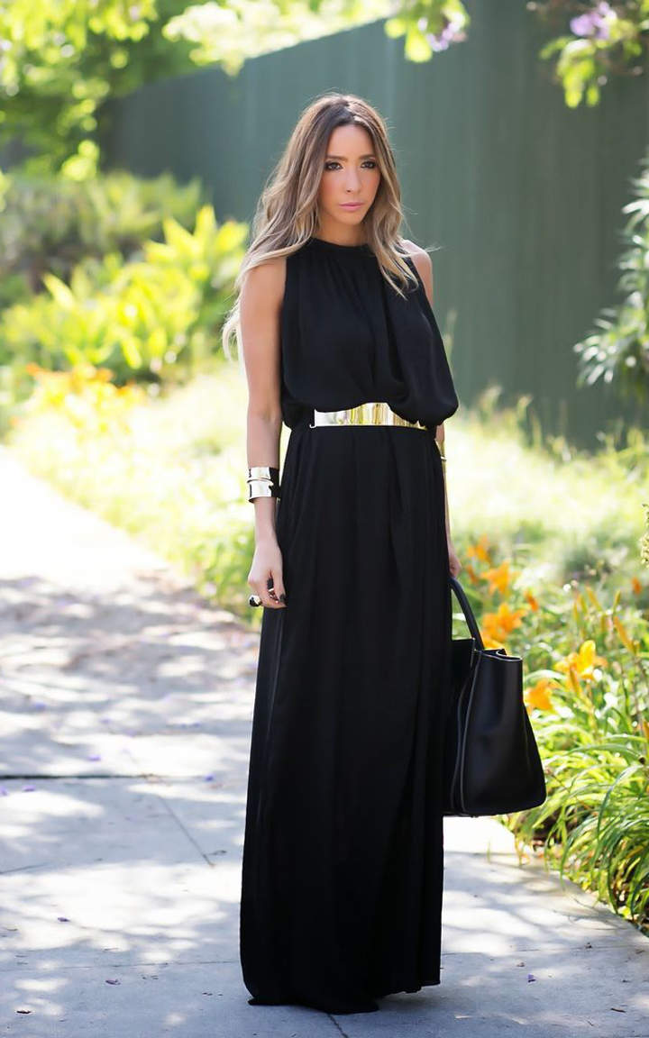 For shoe styles that will take your maxi skirts and maxi dresses into warmer weather, be sure to check out the first part of this article: What to Wear With Maxi Skirts in Spring and Summer. Show Full Article. Make the Most of Your Maxi Skirt With These Top Shoe Choices.