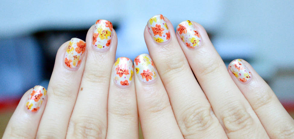 Beautiful floral manicures