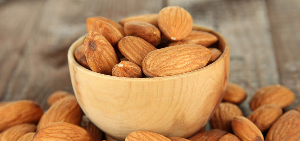 How to use almond oil in beauty treatments