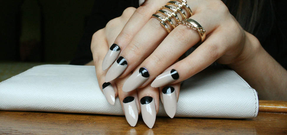 Stiletto nails are the must have of this summer!