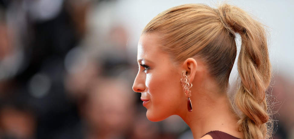 The high ponytail hairstyle is the must have of this season