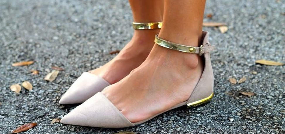 Trendy and chic outfits with pointy flats that you can wear this spring
